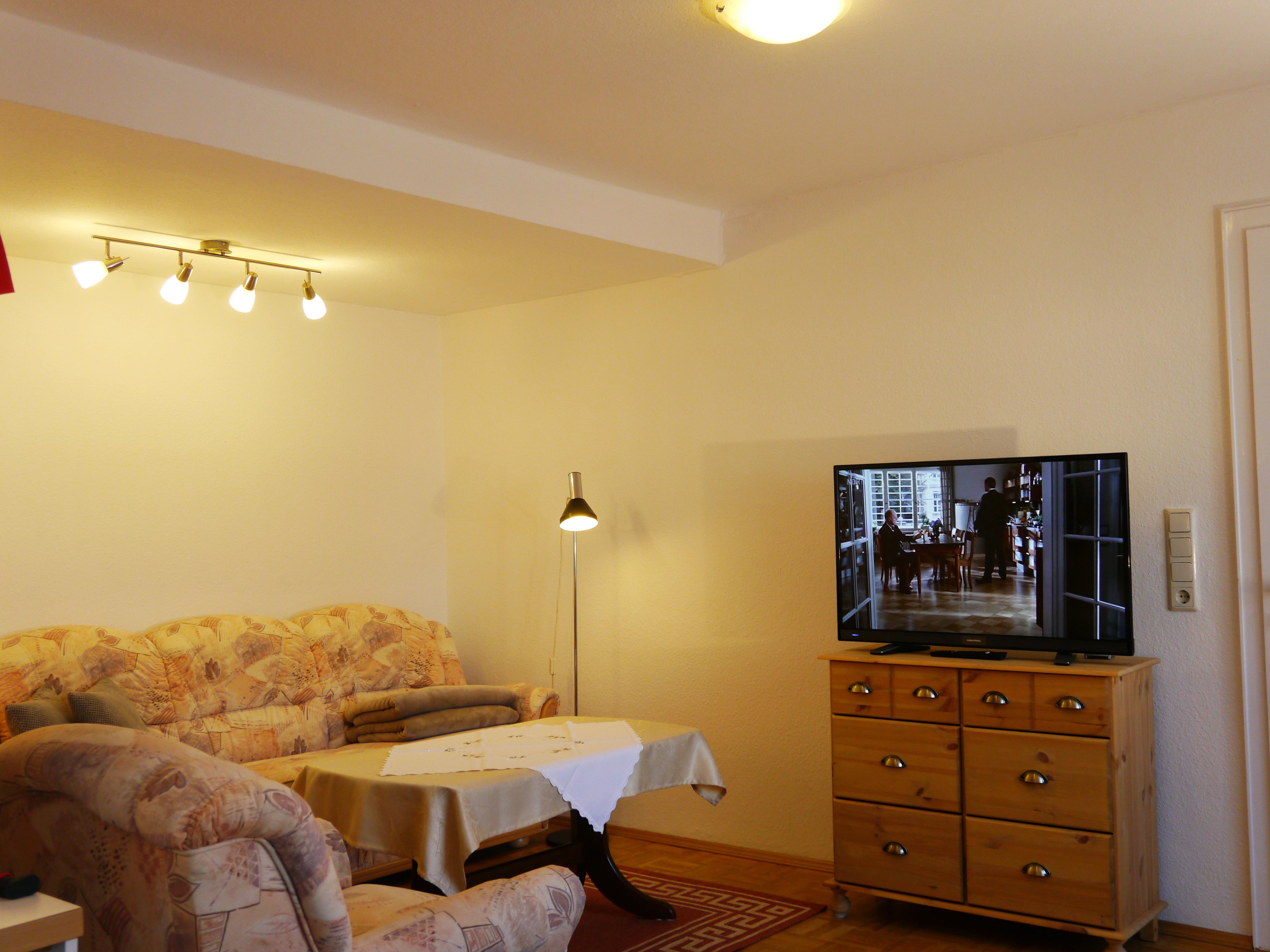 2-Zi.-Wohnung – 2        (bisher keine Sterne – die Wohnung ist neu)